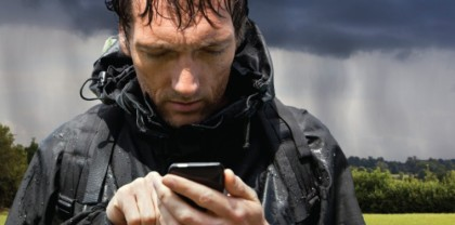 5 Waterproof Smartphones that can be used Under Water and Rain