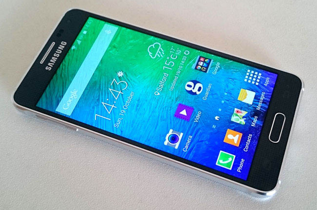 The Battle Has Begun - Samsung Galaxy S6 vs iPhone 6 vs LG G4 4