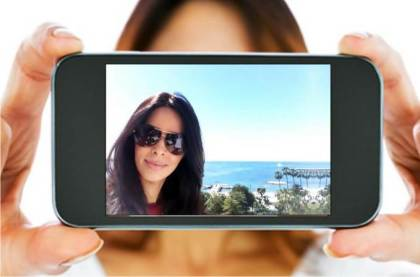 6 Best Tips to Take a Perfect Selfie with your Phone