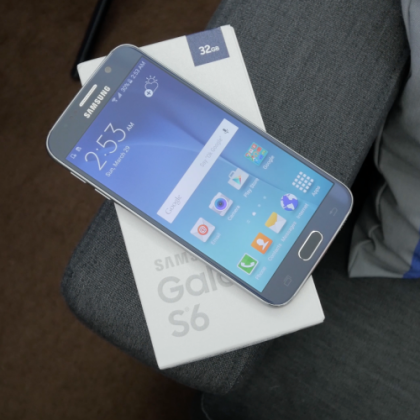 Unboxing and Setting up the Samsung Galaxy S6 and S6 Edge
